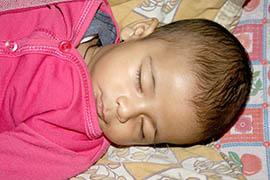 Gesunder Schlaf ist für die gesunde Entwicklung des Kindes wichtig.